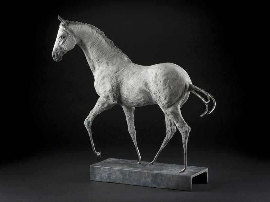 «Sérénité» 49.5 x 50.8 x 12.7 cm béton et avier Andrée Marcoux