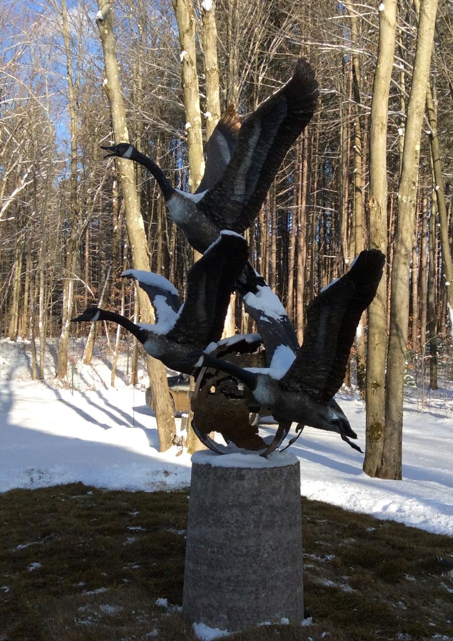 Promesse de retour bronze H 6 pieds Andrée Marcoux